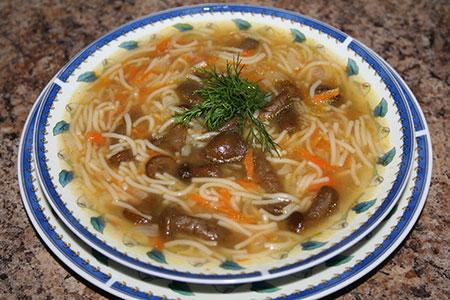 суп грибной с опятами и вермишелью