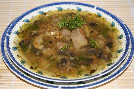 Суп из чечевицы с белыми грибами