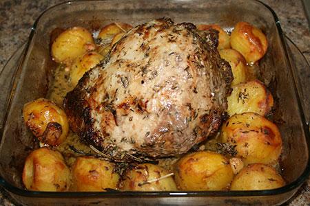 Как приготовить карбонат с картошкой в духовке